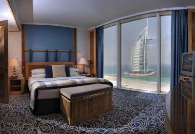 Jumeirah Beach Hotel-Ocean Suite Main Bedroom