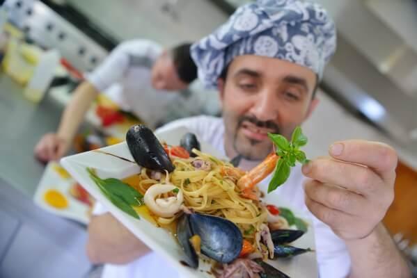 hospitality jobs in dubai